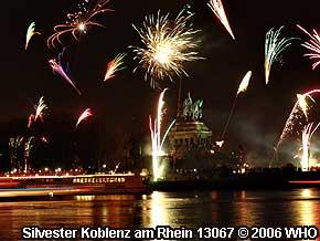 Feuerwerk koblenz rhein in flammen uhrzeit